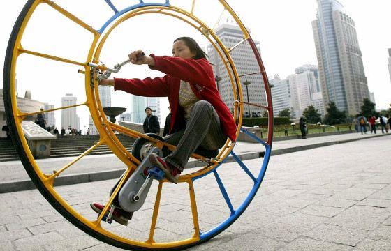 Велосипед на одном колесе