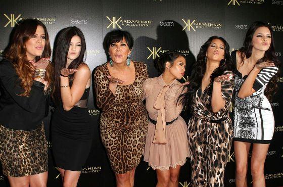 Все члены семьи Ким Кардашян сногсшибательно красивы