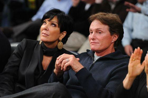 На фото: мама Ким Кардашян с вторым супругом, Брюсом Дженнером