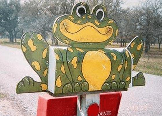 Царевна-лягушка со счастливым посланием