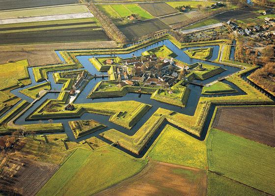 Деревня Bourtange с фортом в Нидерландах