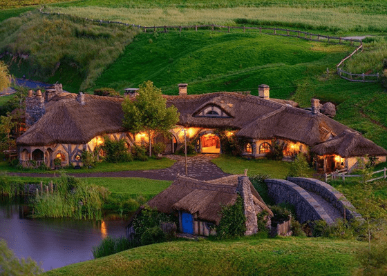 Деревня Хоббитов на месте съемок фильма «Властелин Колец» в Новой Зеландии