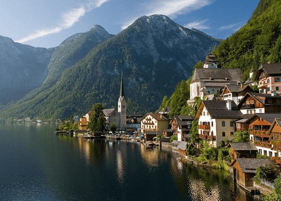 В этой красивой деревне в Австрии проживают 946 человек