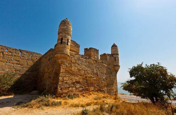 Крепость Ени-Кале – одна из самых известных достопримечательностей Керчи