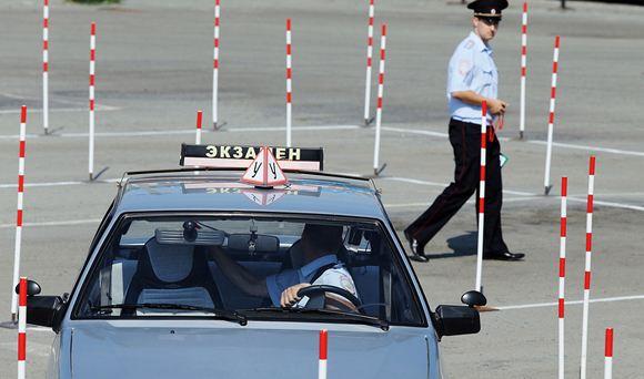 В РФ вступили в силу новые правила сдачи экзаменов на водительские права