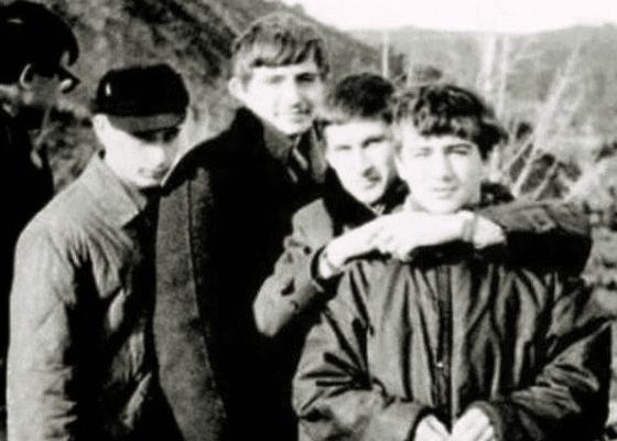 Владимир Путин с друзьями, 1960-е годы.