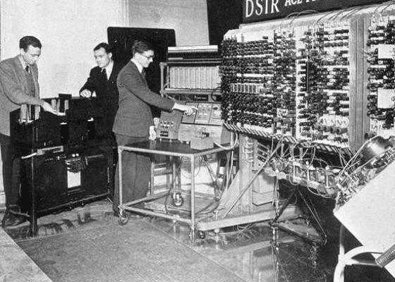 Самый первый компьютер в Англии, 1950.