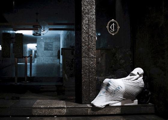 Около 10000 человек остались без крова в Сан-Паулу Бразилия. Большинство спят в старых заброшенных зданиях и отелях.