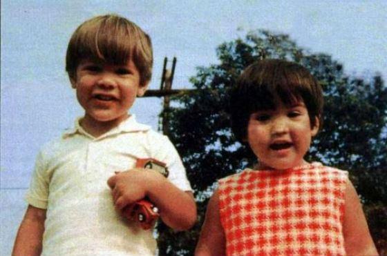 Детское фото Киану Ривза и его сестры Ким