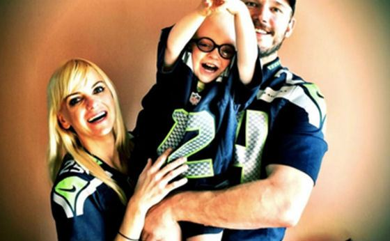 Chris Pratt with his wife and son - a happy family!