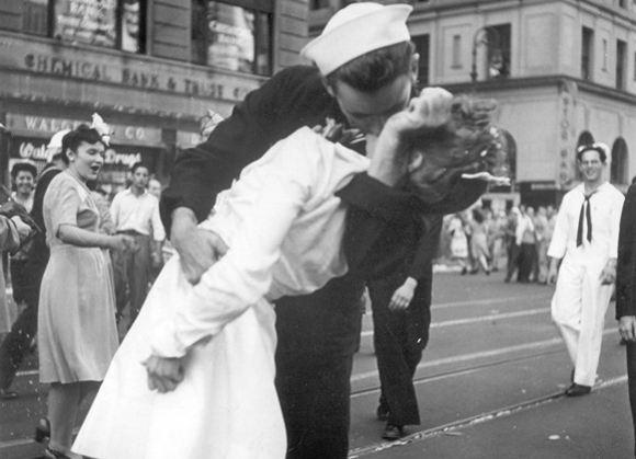 «День Победы над Японией на Таймс-сквер»