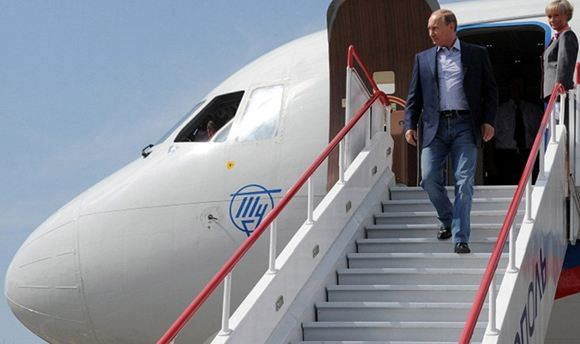 Кремль: Путину известно об аресте главы президентского летного отряда