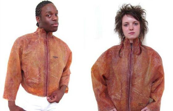 Дизайнер уверен, что материал подходит для пошива верхней одежды