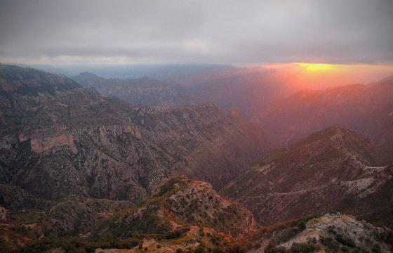 Восход над  Медным каньоном
