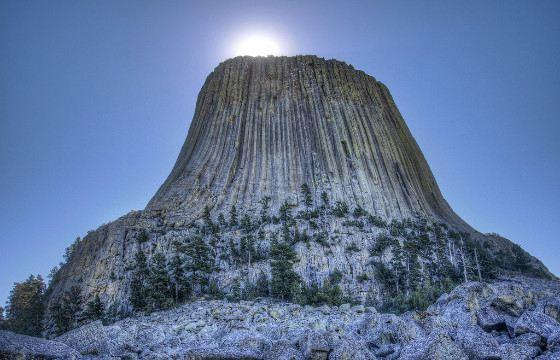 Башня Дьявола или Девилз-Тауэр образовалась из расплава магмы