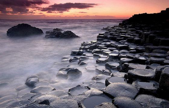 Most basalt columns are hexagonal.