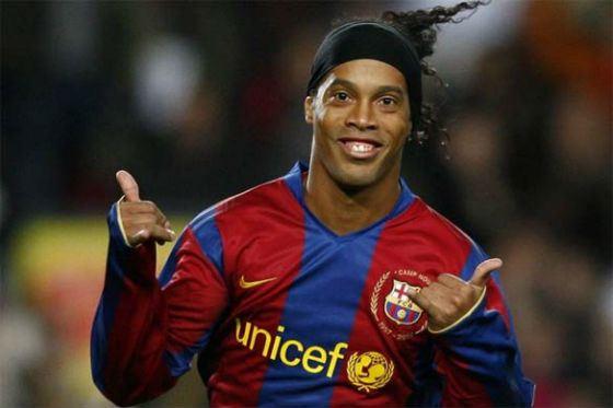 Известные футболисты Знаменитые футболисты мира