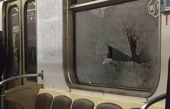 СМИ: в связи со стрельбой по составу метро полиция задержала уроженца Кавказа