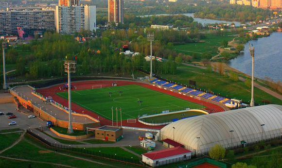 Рядом с московским стадионом «Янтарь» убили девушку-подростка