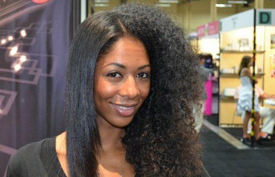 Иметь идеально прямые волосы хотят многие кудрявые девушки