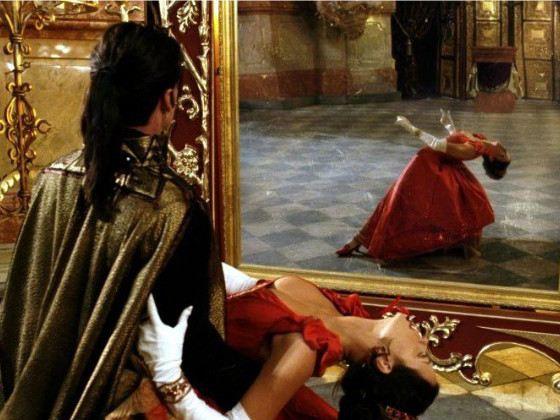 Вампиры, доппельгангеры и призраки не отражаются в зеркалах