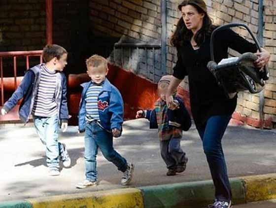 Ирина Леонова с детьми