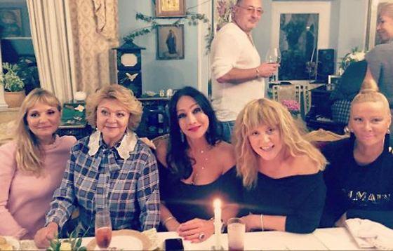 Алла Пугачева на дне рождения подруги