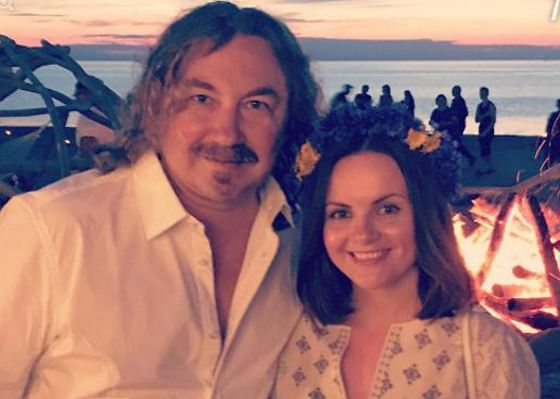 Игорь Николаев поздравил супругу с веселым событием