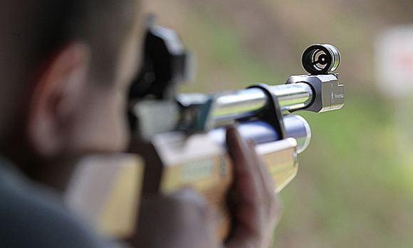 Пермский физрук открыл стрельбу по курившим школьникам
