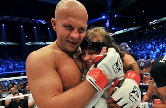 На фото: Федоро Емельяненко с дочерью Машей