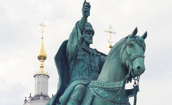 В Орле открыли вызвавший скандал памятник Ивану Грозному