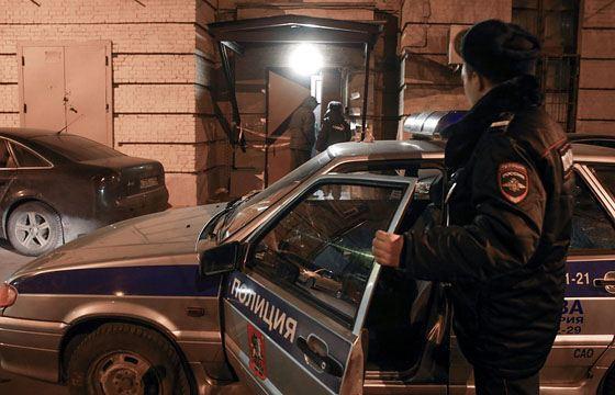 На севере Москвы неизвестные застрелили мужчину и женщину
