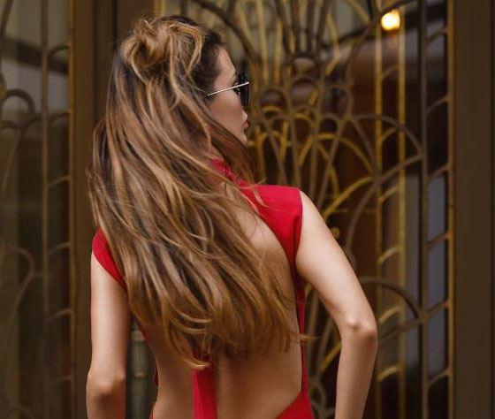 Виктория Боня наращивает волосы