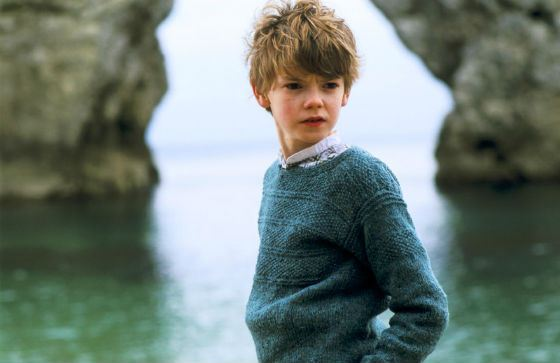 During the filming of «Nanny McPhee» he was 15!