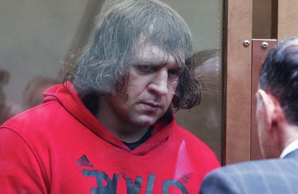 Отбывавший срок за изнасилование Александр Емельяненко вышел по УДО