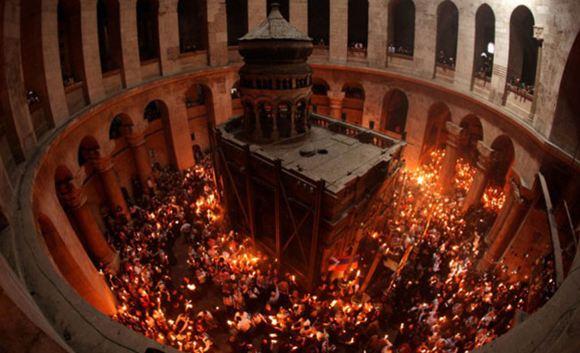Археологи изучают смертное ложе Иисуса Христа в Иерусалиме