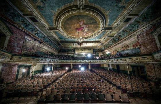 Театр стал необычной достопримечательностью города