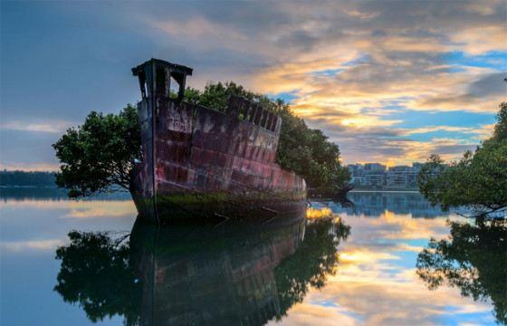 Паровое судно SS Ayrfield доживает свой век у берегов Сиднея