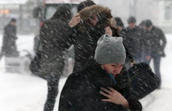 Синоптике предупреждают о сильнейшем снегопаде и гололеде в Москве