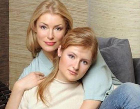 Мария Шукшина с дочерью
