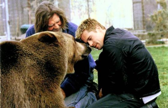 Бред Питт любит животных