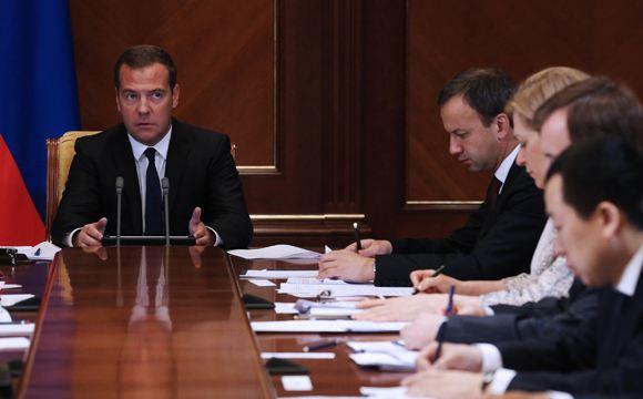 Правительство соберется на заседание в среду из-за графика Медведева