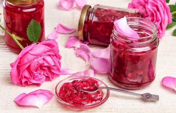 Из некоторых сортов роз делают варенье