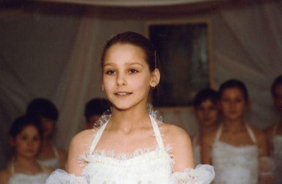 В детстве Глафира Тарханова занималась бальными танцами