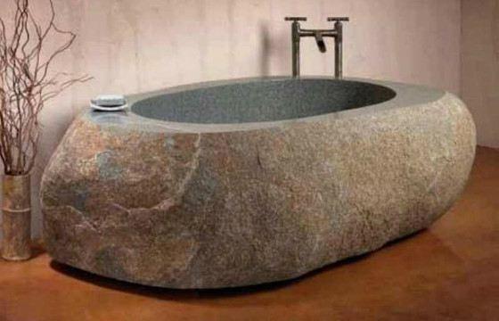 Ванна из натурального камня не останется без внимания