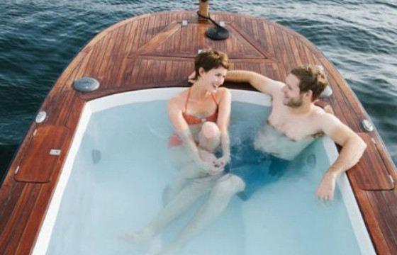 В такой ванне можно отправиться в путешествие