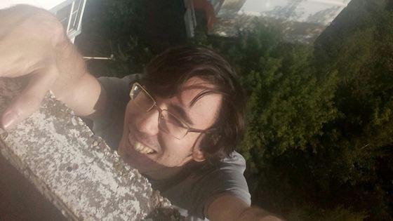 Шахматист Елисеев сорвался с перил балкона, занимаясь паркуром