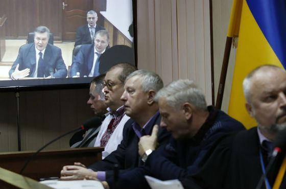 Видеодопрос Януковича велся через интернет