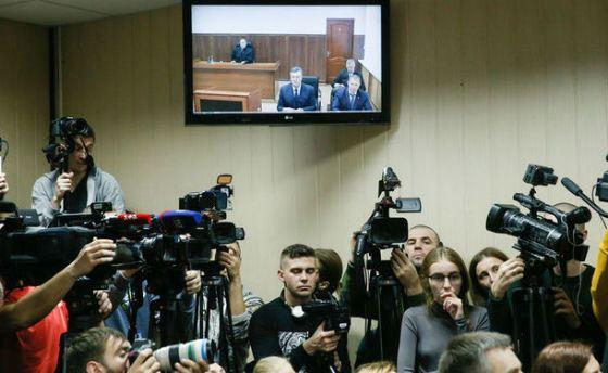 Янукович назвал виновных в вооруженных протестах на Украине