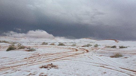 Необычное природное явление: в Саудовской Аравии выпал снег